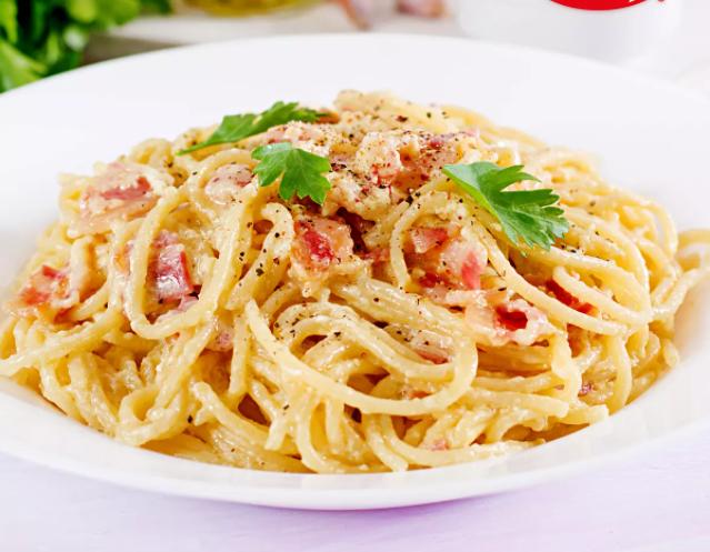 Spaguetti con tocino
