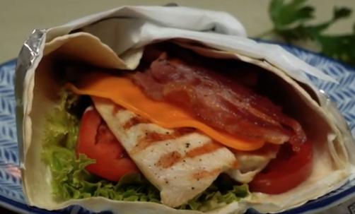 Práctica receta de wrap de pavo Sofía con mayonesa casera