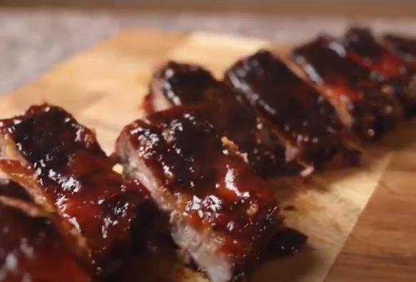 Sabrosa receta de Costillas de Cerdo Sofía a la barbacoa de Achachairú