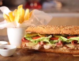 Sandwich de bife de cerdo